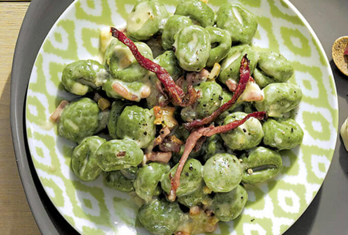 Gnocchi di patate con ricotta e spinaci – con Gorgonzola e speck